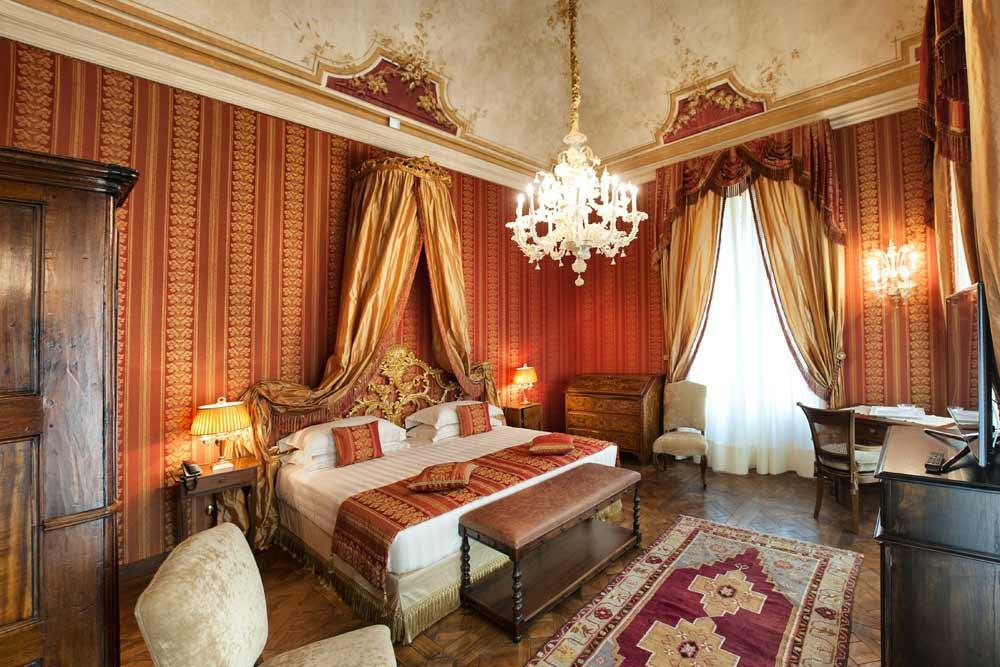 Florence Art, camera arredo di lusso stile classico fiorentino